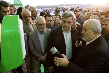 افتتاح نخستین جایگاه شارژ خودروهای برقی در برج میلاد تهران