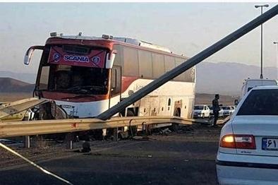 ۲ کشته و ۲۳ مصدوم در یک حادثه تصادف در کرج