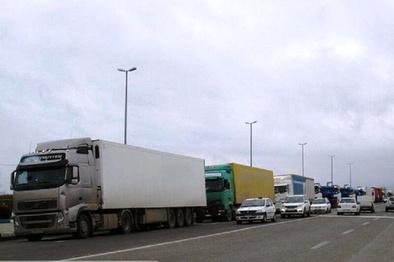 عبور کامیون و تریلر در مسیر قدیم ساوه - همدان ممنوع شد