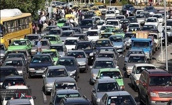 خرابی تریلی در فرشته ترافیک شمال تهران را سنگین کرد