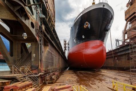 منابع مالی کورکورانه به کشتی سازی ها تزریق نشود