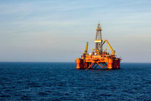 Bahrain's Biggest Offshore Oil Find Since 1932 Dwarfs Reserves