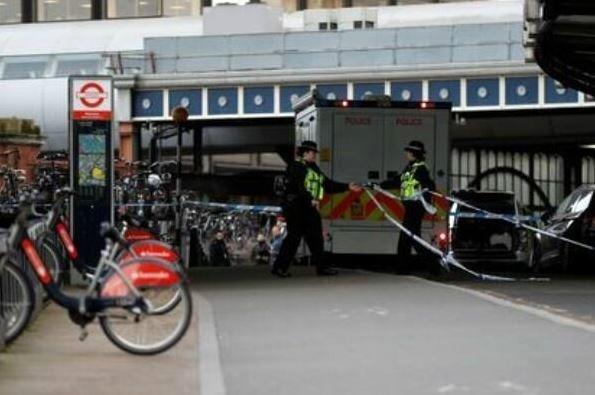 تمبر ایرلندی بر بمبهای پستی به مترو لندن
