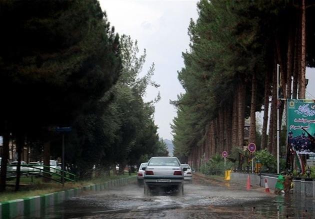 مهگرفتگی و لغزندگی در جادههای استان ایلام