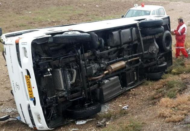 واژگونی خودروحامل دانش آموزان در بانه یک کشته داشت
