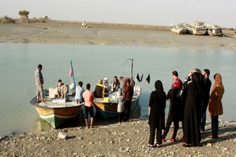 برگزاری نخستین دوره آموزشی ایمنی قایق های تفریحی در خورآذینی سیریک
