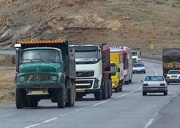 سنگپرانی به برخی کامیونها در خوزستان