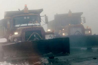 برف محور سیسخت - پادنا در سمیرم را مسدود کرد