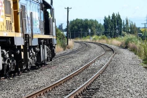 قطار مسافربری سلماس - تبریز شروع به کار کرد