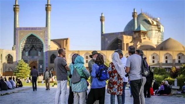 Iran reports rise in number of tourists