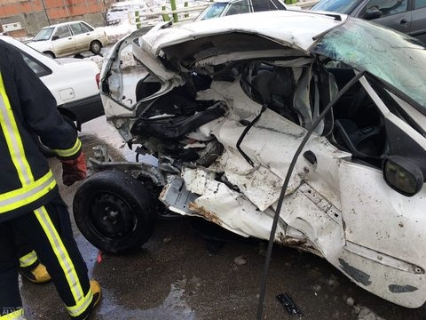 واژگونی هولناک پژو ۲۰۶ در محور علویجه_اصفهان