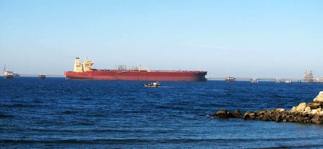 جزیره خارک، آلودگیهای نفتی و طرح های ناتمام