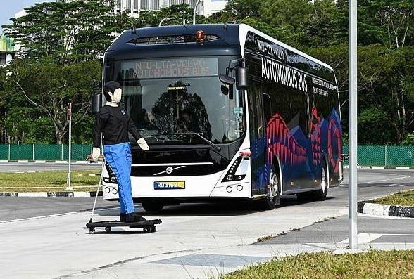 اتوبوس شهری خودران ولوو آزمایش میشود