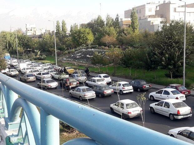 حجم ترافیک در اکثر بزرگراههای پایتخت رو به افزایش است