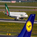 Lufthansa Submits €500m Bid for Ailing Alitalia
