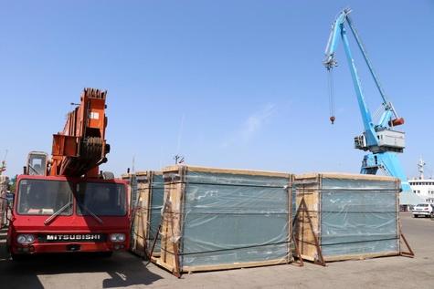 بالغ بر 3 هزارتن شیشه جام صادراتی از بندر انزلی صادر شد