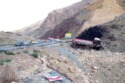 عکس| تشکر رانندگان از رمپ فوق پیشرفته گردنه حاجی آباد