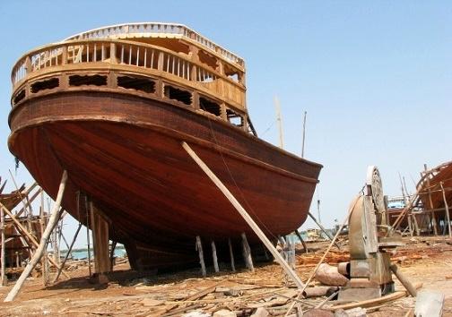 صدور مجوز تردد لنجهای چوبی به بنادر عمان