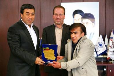 قدردانی نماینده جامعه معلولان ایران از مدیرکل فرودگاههای خراسان رضوی