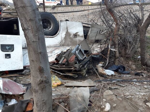 9 کشته و 19 مجروح در واژگونی اتوبوس در مبارکه اصفهان