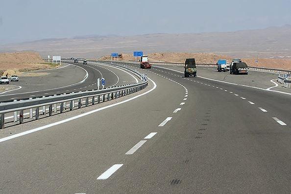 تعریض و بهسازی ۲۷ کیلومتر از کریدور بزرگراهی غرب کشور