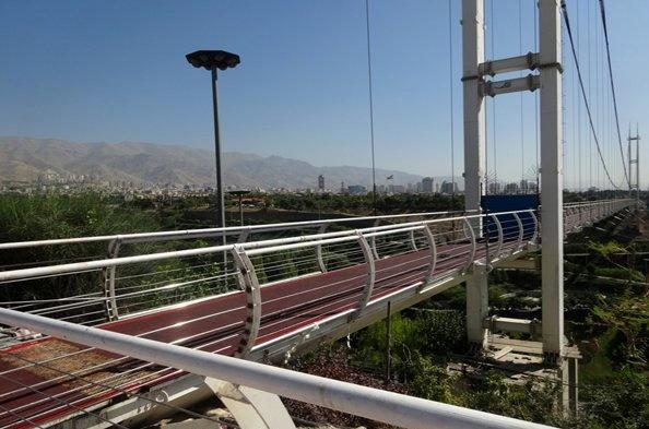 دههزار تومان عوارض عبور از یک پل عابر پیاده در تهران!