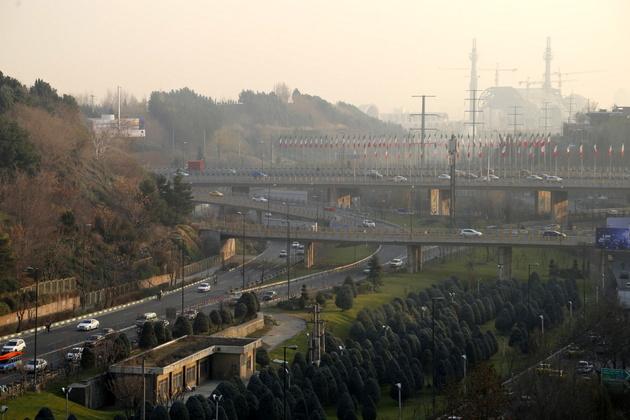 انباشت آلایندهها در پایتخت/ وضعیت هوا در شرایط قرمز است