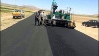 اجرای عملیات لکه گیری و روکش آسفالت در محورهای مواصلاتی آذربایجان غربی