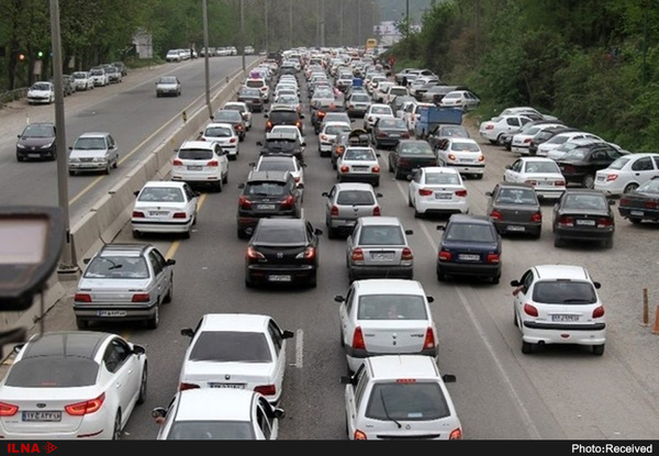 ترافیک نیمهسنگین در محور چالوس/ محور قزوین - همدان مسدود است