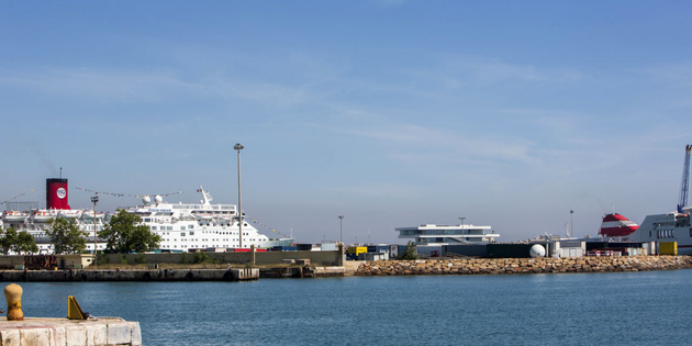 Port of Valencia aspires to be the third port in Europe