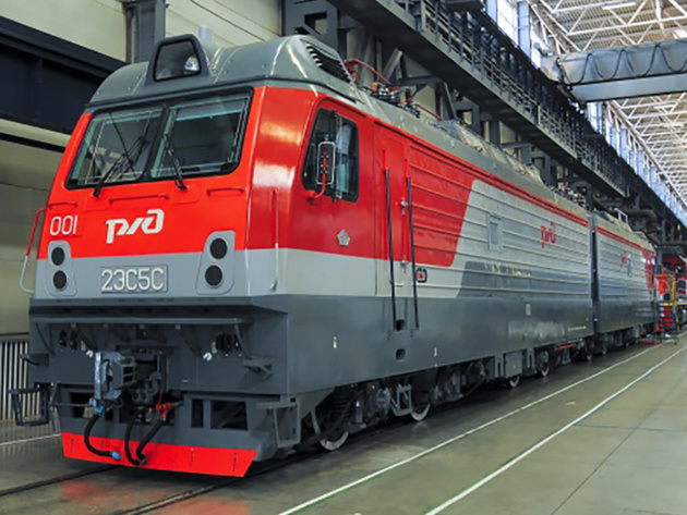 Electric freight locomotive unveiled