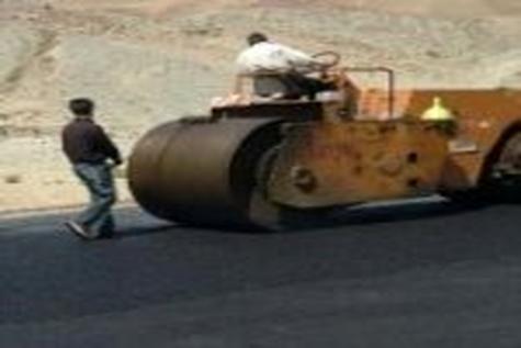 طی ۲ ماه اخیر در کردستان بالغ بر ۷۰ کیلومتر روکش آسفالت اجرا شده است