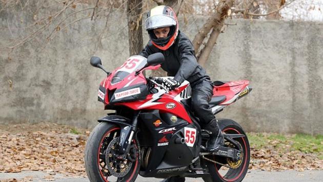 واکنش پلیس به حکم صدور گواهینامه موتورسیکلت برای زنان