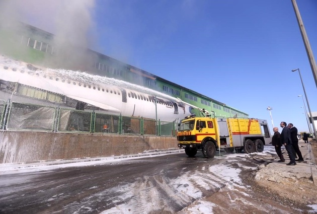 هواپیمای آتش گرفته در فرودگاه امام، اسقاطی بود/کسی آسیب ندید