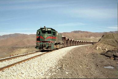 اتصال مراکز صنعتی و اقتصادی به خطوط ریلی اراک