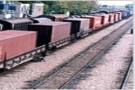 تخلیه و بارگیری ۱۲ میلیون تن کالا در راهآهن هرمزگان