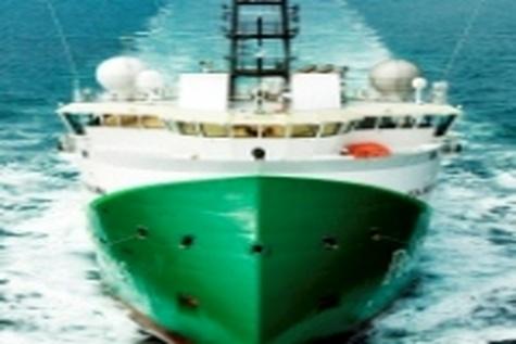 تردد خطوط کشتیرانی بزرگ دنیا در بنادر ایران / محدودیتی در پذیرش کشتیها نداریم