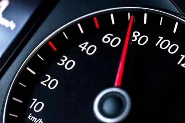 حداکثر سرعت رانندگی در شهرها چندکیلومتر است؟