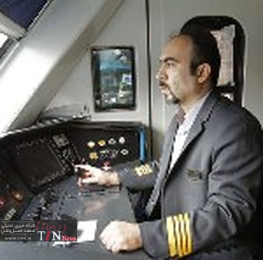 لکوموتیوران، خلبان قطار است