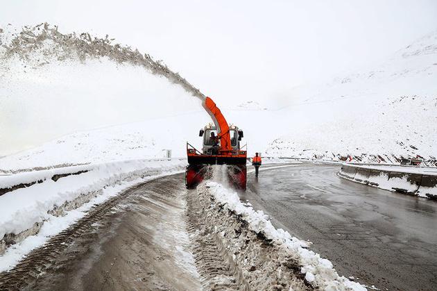 تمامی محورهای روستایی مسدود شده کشور تا پایان هفته بازگشایی میشود
