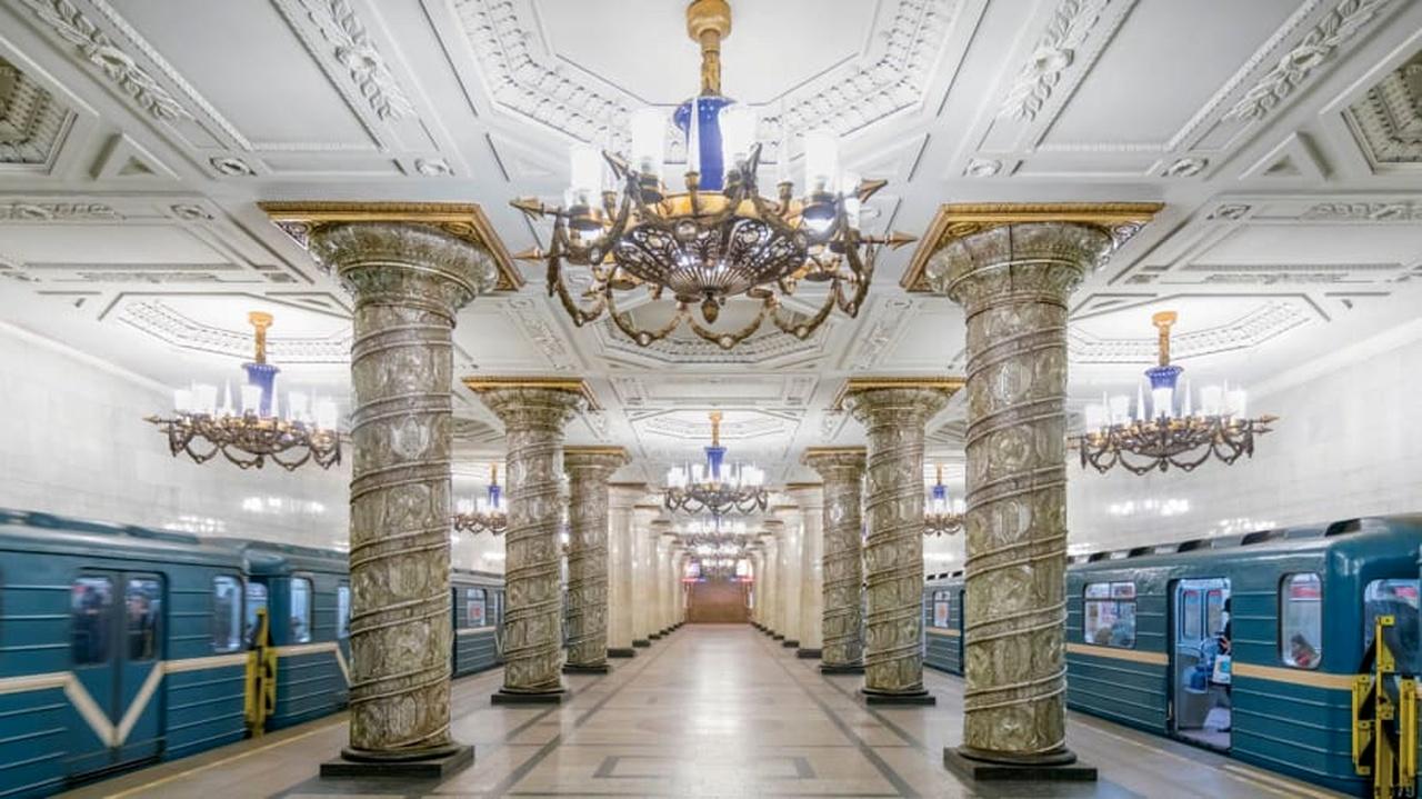 معماری خیرهکننده