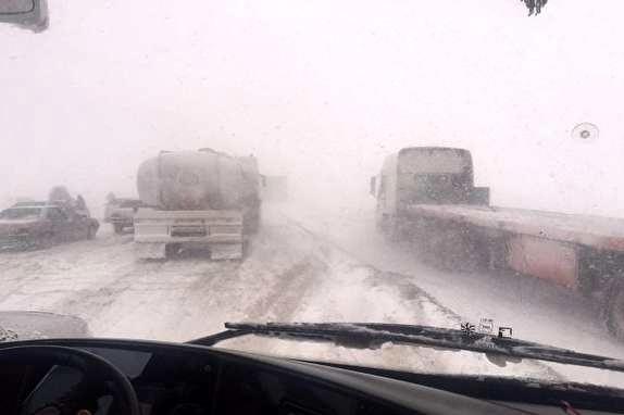 برف و باران در محورهای تهران-شمال و بارش در 17 استان/ انسداد روزانه کندوان از فردا