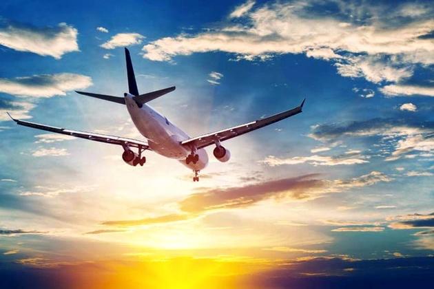 اولین هواپیمای حامل کمک ایران، وارد بیروت میشود