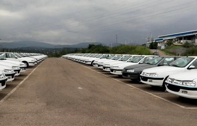 وجود ۱۵۰ هزار دستگاه خودروی ناقص در پارکینگهای خودروسازان