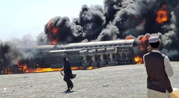 جزئیات آتشسوزی در گمرک مرزی ایران و افغانستان + عکس