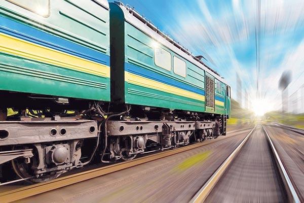 توقف قطارهای ایران در سربالایی سرعت