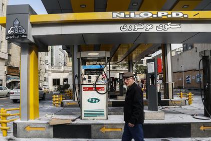تصاویر  تخریب اموال عمومی در خیابان پیروی تهران