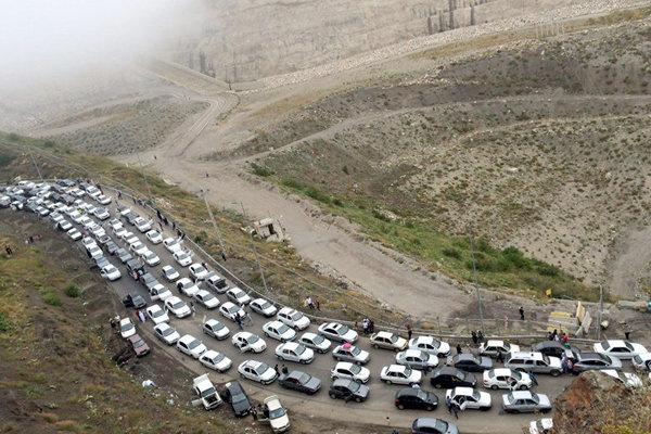 ترافیک پر حجم در جاده های شمالی