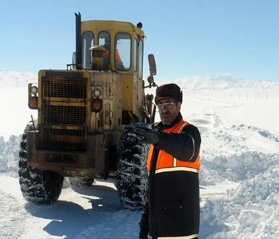 آمادگی ۴۵۸ راهدار استان اردبیل برای راهداری زمستانی 97