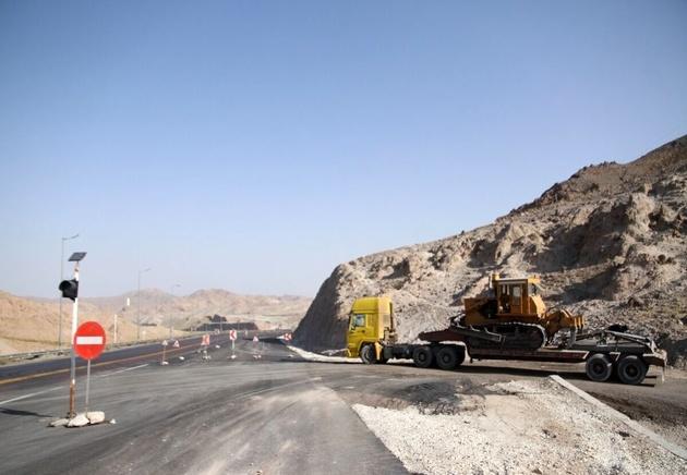 محور زنجان- دندی - تکاب در بازه زمانی ۲ ساله تعریض و بهسازی می شود